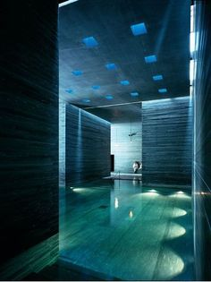 Thermes Vals, hotel spa by Peter Zumthor (photo © Serge Brison) _ Architecture Ombre, Space Architecture, Architecture Details, Ancient Architecture, Sustainable Architecture, Spa Design, House Design, Urban Design, Piscina Spa