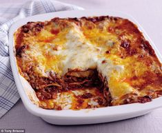 Mary Berry Lasagna, Italian Chef, Italian Recipes, Lasagna Recipe Without Ricotta, Healthy Snacks To Buy, Bolognese Sauce, Best Chef, Bologna, Food For Thought