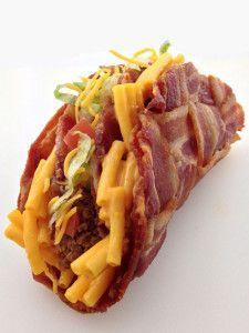 The Double Decker Mac & Cheese Stuffed Bacon Weave Taco - Stoner Food! Bacon Recipes, Cheese Recipes, Mexican Food Recipes, Cooking Recipes, Cheese Food, Stoner Food, Dude Food, Weird Food, Crazy Food