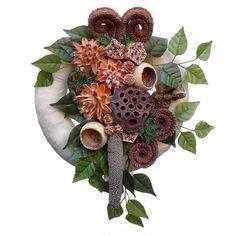 Kegyeleti koszorú import termésekkel - Szárazvirág díszek webáruháza Funeral Flowers, Farmer, Christmas Wreaths, Gardening, Halloween, Decoration, Holiday Decor, Fall, Design