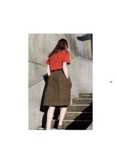 英国を代表するクロージングデザイナーであるマーガレット・ハウエルの日本公式サイト。良質を求め、モダンクラシックを更新し続ける彼女のものづくりは、ウィメンズ、メンズ、ハウスホールドグッズ、カフェに至るまで幅広く展開されています。