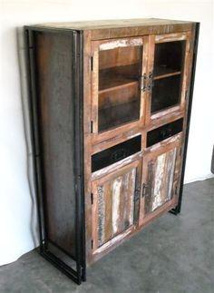 Vintage Display Cabinet. Ünik Vintage Furniture www.tiendaonlinedecoracion.com
