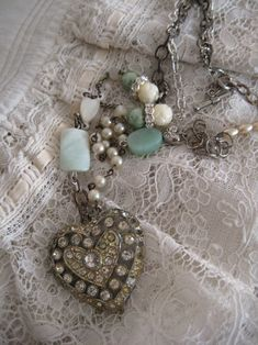 @Heather Kowalski- I LOVE what you do with these found treasures!