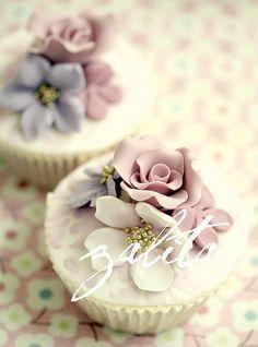 Beautiful wedding cupcakes #CupcakeDreamWedding