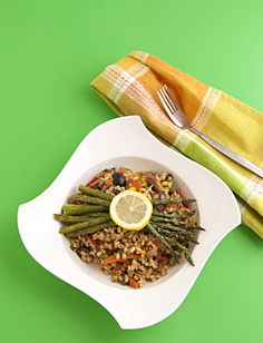 Barley & Vegetable Skillet Salad - Nutty barley with tons of vegetables, seasoned with robust Mexican seasoning and served with roasted asparagus on top! A perfectly tasty, healthy meal.