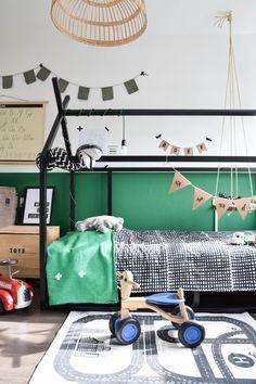 Binnenkijker Steijn - The Baby Project Ikea Bed, Narrow Kitchen, How To Start Yoga, Kitchen Doors, Wall Colors, Baby Kids, Toddler Bed, Kids Room, Layout