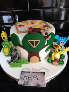 Raa Raa The Noisy Lion Cake in chocolate with vanilla buttercream. The full cast of Raa Raa's crew for this little ones 2nd birthday  March 2015  https://mrs-bs.co.uk/ https://www.facebook.com/mrsbcakeologist/