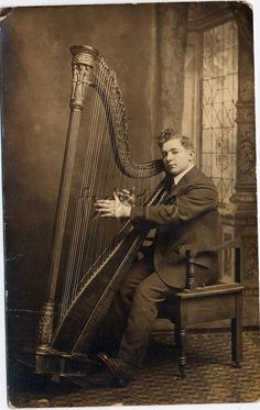 One of the very first pedal harps.