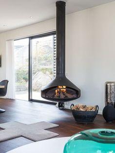 Suspended Fireplace, Floating Fireplace, Modern Fireplace, Foyer Propane, Propane Fireplace, Focus Fireplaces, Log Burner, Little Houses, House Rooms