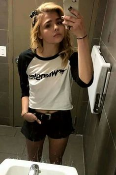 Chloe Grace Moretz bathroom