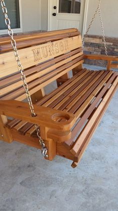Awesome Farmhouse Porch Swing Decor Ideas What's not to love about a front porch swing? Few things add as much curb appeal, and even fewer do it… Continue Reading → Furniture Projects, Furniture Plans, Wood Projects, Outdoor Furniture, Pallet Furniture, Wooden Pallets, Wooden Diy, Diy Wood, Farmhouse Porch Swings