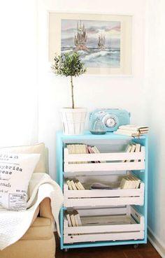 Réaliser un petit meuble, style bout de canapé, avec des rangements faits à partir de cagettes de fruits et légumes / #DIY / #meuble / #deco / #récup / #upcycling / mrwonderful_cajas_madera_decoracion_crates_017
