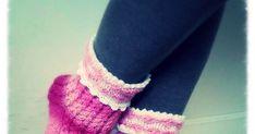 Nämä sukat ovat äitini suunnittelemat ja toteuttamat, minä kirjoitin ohjeen. Nämä herkkääkin herkemmät sukat ovat pehmoiset jalassa ja saa...