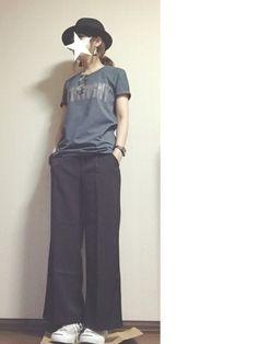Tees and trousers 90s Fashion, Fashion Outfits, Womens Fashion, Looks Vintage, Minimal Fashion, Japanese Fashion, Stylish Dresses, Casual Chic, Stylish Outfits