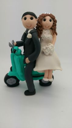 Personalised-Bride-and-Groom-Wedding-Cake-Topper-on-vespa-Cake-topper