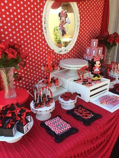 Mickey Mouse / Minnie Mouse Birthday Party Ideas | Photo 1 of 22