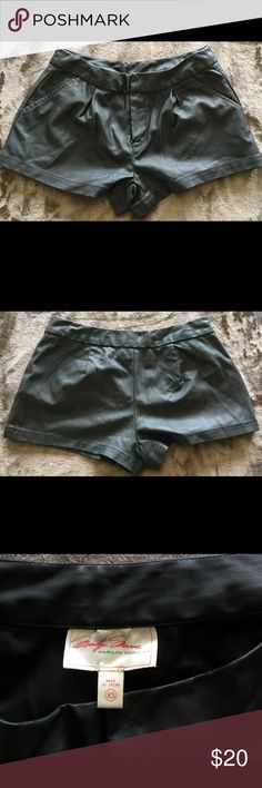 Marilyn Monroe Leather Shorts Sixe XS Marilyn Monroe Leather Shorts Sixe XS, great condition Marilyn Monroe Shorts