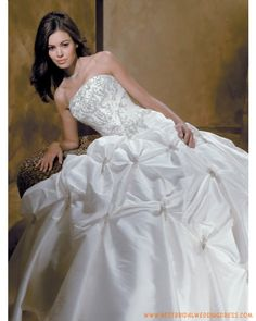 Wedding Dress images - wedding dress Taffeta Strapless A line Pick up Skirt with Chapel Train Hot Sell Wedding Dress Image by janniery Condition: Brand New Wedding Dress, Wedding Gown, Hot Sell Wedding Dress, Satin Dress Fabric: Satin D Tips For Wedding Dress Shopping, Sell Wedding Dress, Wedding Dress Train, Affordable Wedding Dresses, Wedding Gowns, Wedding Bells, Best Cocktail Dresses, Strapless Cocktail Dresses, Bridal Dresses