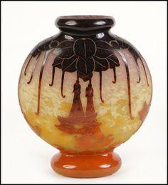 A Charles Schneider la Verre Francais French Cameo Glass Vase : Lot 135-2008 #schneider #cameo #fineglass