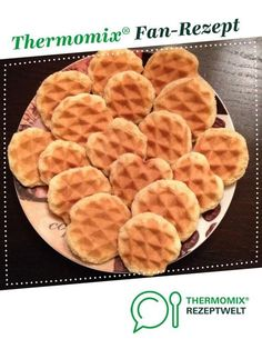 Waffelplätzchen Waffelkekse Wafer biscuits from A Thermomix ® recipe from the category baking sweet www.de, the Thermomix ® community. Waffle Biscuits, Waffle Cookies, How To Make Dough, Food To Make, Baby Food Recipes, Snack Recipes, Fermented Bread, A Food, Food And Drink