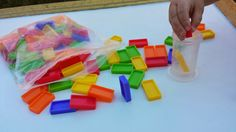 Dominos. Heather Hess: How to Create the Perfect Activity Box for Kids. A list of busy activities for toddlers in an organized way