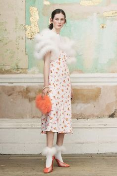 Mulberry Fall 2018 Ready-to-Wear Fashion Show Collection: See the complete Mulberry Fall 2018 Ready-to-Wear collection. Look 17 Fashion 2018, Runway Fashion, Fashion Brands, Paris Fashion, Women's Fashion, Fashion Show Collection, Fall Trends, Dream Dress, Dress Me Up