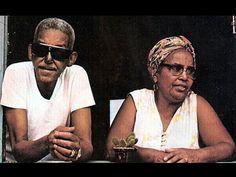 Cartola com a mulher Dona Zica na capa do disco de 1976 (Foto: divulgação)