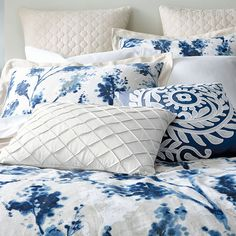 Exciting news! We've teamed with Bed Bath & Beyond to launch our Canadian Living collection of bed and bath linens.