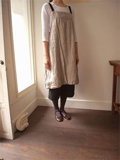 Linen apron/jumper tunic with black straps. Needs some big patch pockets, other then that, perfect!