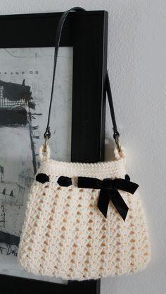 Free pattern My Nordstrom Crochet Hobo Inspired Bag