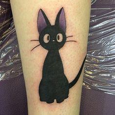 Quand on aime vraiment le Studio Ghibli, on se favgit des tatouages des films de Miyazaki. D'un petit Totoro sur la main à une fresque entière tatouée sur le dos, l'imagination n'a …