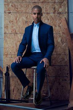 Malik wears shoes Jimmy Choo, shirt and suit Sandro.