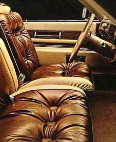 Duo-tone Light Beige and Dark Saddle pillow-style leather interior offered in the Eldorado Custom Biarritz Classic