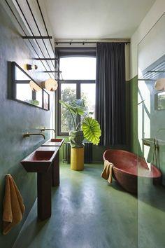 Décor do dia: Banheiro verde com toque terracota (Foto: Reprodução)