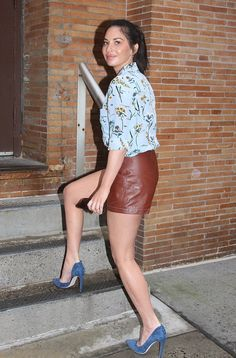 """breathtakingwomen: """"Olivia Munn at the """"The Chew"""" Arrival New York City September, """" I ❤ her mini skirt and high heels, she has beautiful legs. Olivia Nunn, Sexy Legs And Heels, Sexy Feet, Libra, Bollywood Actress Hot Photos, I Love Girls, Hollywood Celebrities, Beautiful Legs, Party Fashion"""