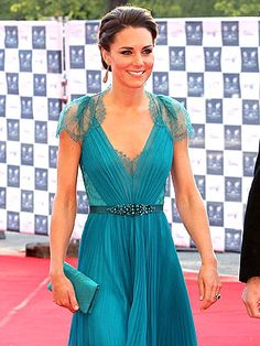 Kate Middleton in teal dress. LOVE the dress
