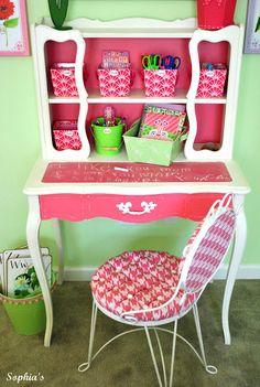 Sophias: An Art Desk for Lily~ very cute little girls desk Diy Furniture Projects, Paint Furniture, Kids Furniture, Diy Projects, Cottage Furniture, Upcycled Furniture, Little Girl Rooms, Little Girls, Girl Desk