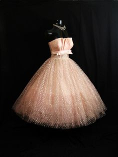 Love this one!     Vintage 1950's 50s STRAPLESS Pink Shelf Bust Taffeta Tulle Metallic Party Prom Wedding Bridal Dress Gown