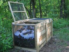 Really like this compost bin design.