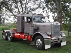 "Peterbilt 351 ""Old Fashion Truck"""