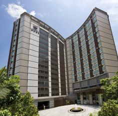 Royal View Hotel offers good access to transportation networks linking the Hong Kong International Airport, Asia World-Expo and Hong Kong Disneyland.