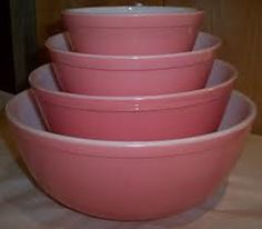 I have the pie baker from this set. It was one of my mother's wedding presents!