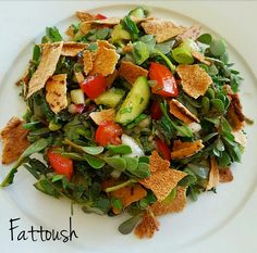 Fattoush+-+ricetta+insalata+libanese Evening Meals, Food Items, Cherry Tomatoes, A Food, Spicy, Veggies, Tasty, Lunch, Stuffed Peppers