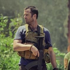 Ohhh #SullivanStapleton, don't think I don't still adore you because I most definitely do. #StrikeBack #twt