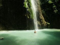 Tumalog, which looks like a dream sequence in a Christopher Nolan film. | 33 Breathtaking Photos That Prove The Philippines Is Paradise