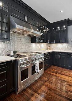 Backsplash With Dark Cabinets, Black Kitchen Cabinets, Kitchen Cabinet Remodel, Kitchen Cabinet Design, Modern Kitchen Design, Kitchen Backsplash, Kitchen Black, Kitchen Counters, Modern Cabinets