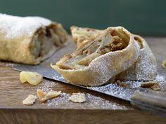 Vollkorn-Apfelstrudel mit Cranberrys |  Kalorien: 575 Kcal - Zeit: 45 Min. | http://eatsmarter.de/rezepte/vollkorn-apfelstrudel