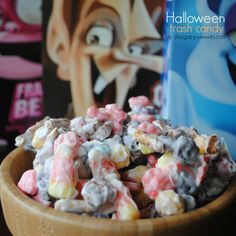 Halloween Trash candy: fun cereal with candy corn, pretzels and white chocolate. Easy and delicious!