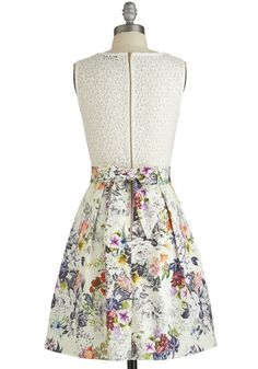 Make the Rounds Dress in Country Bouquet | Mod Retro Vintage Dresses | ModCloth.com