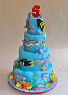 Hope's Sweet Cakes: Underwater Shark Cake (I love that they are chasing the divers and the 5 has little shark bites!)